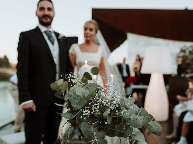 La boda de Ángel y Cristina en Sevilla, Sevilla 11