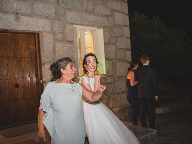 La boda de Ernesto y Joana en Hoyo De Manzanares, Madrid 174