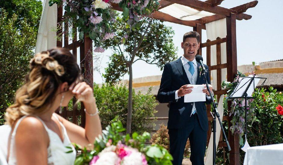 La boda de Santi y Iraia en Telde, Las Palmas