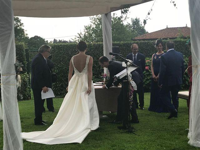La boda de Miguel y Bárbara en Villaviciosa, Asturias 33
