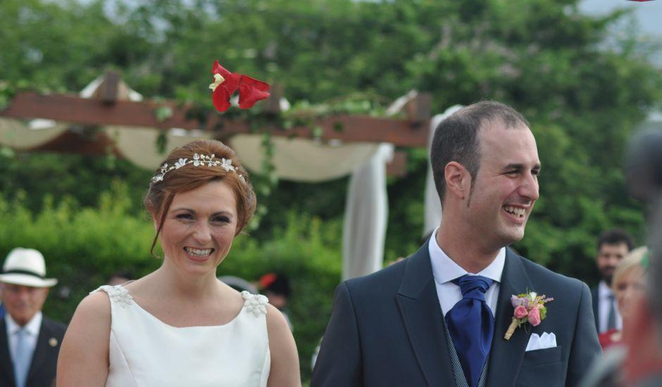 La boda de Miguel y Bárbara en Villaviciosa, Asturias
