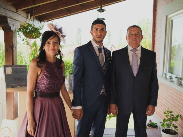 La boda de Adrian y Noelia en Laguna De Duero, Valladolid 12