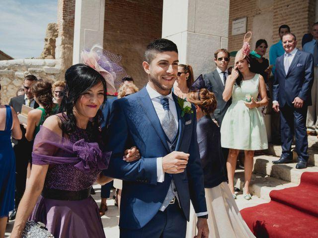 La boda de Adrian y Noelia en Laguna De Duero, Valladolid 38