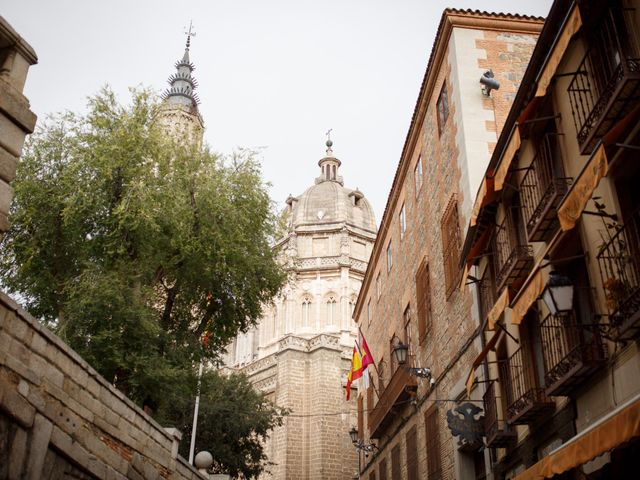 La boda de Adrian y Paula en Toledo, Toledo 3