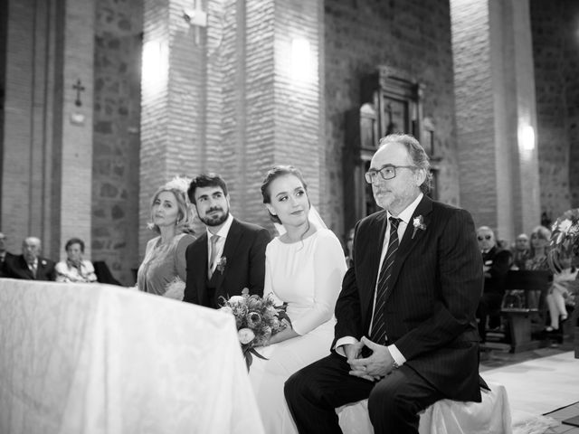 La boda de Adrian y Paula en Toledo, Toledo 39