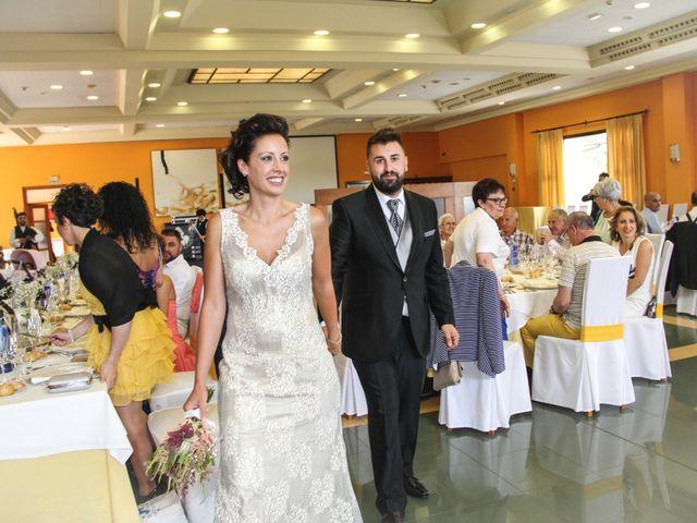 La boda de Heriberto y Noelia en Noreña, Asturias 23