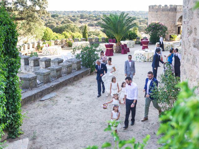 La boda de Ismael y Cristina en San Vicente De Alcantara, Badajoz 10