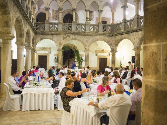 La boda de Ismael y Cristina en San Vicente De Alcantara, Badajoz 25