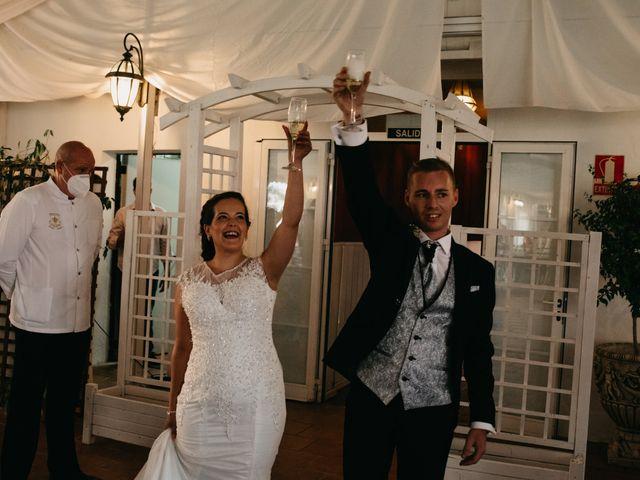 La boda de Esther y Adrián en Palma Del Rio, Córdoba 7