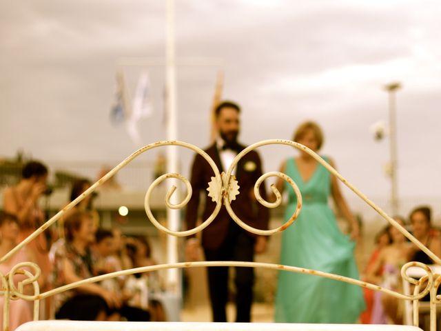 La boda de Elena y Santi en Castelldefels, Barcelona 25