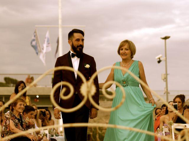 La boda de Elena y Santi en Castelldefels, Barcelona 26