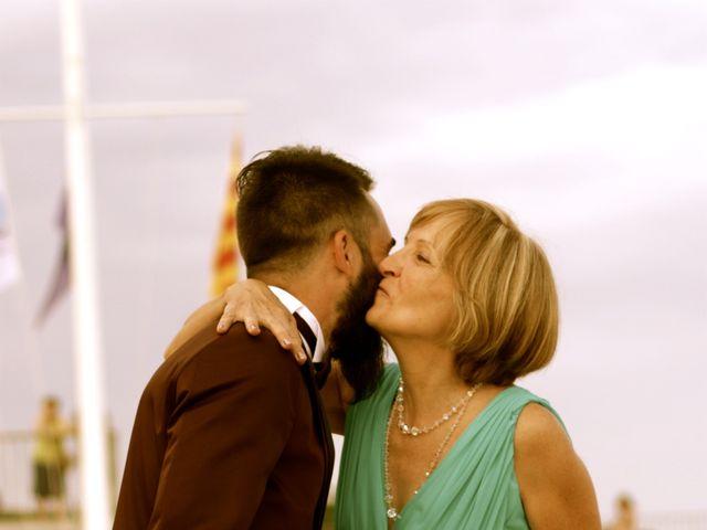 La boda de Elena y Santi en Castelldefels, Barcelona 27