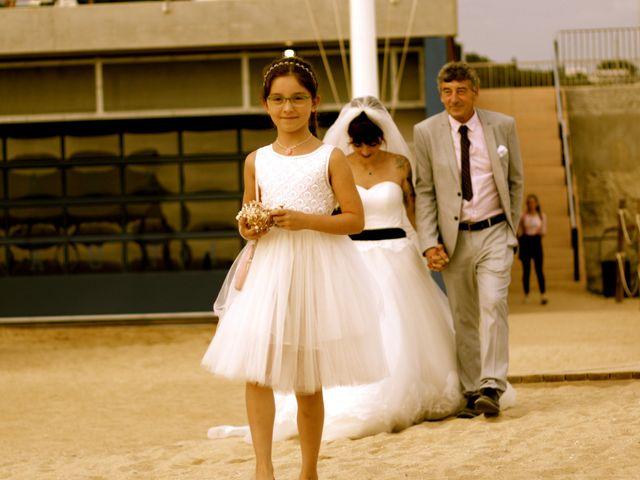 La boda de Elena y Santi en Castelldefels, Barcelona 32