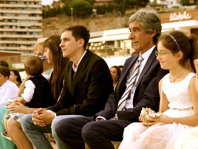 La boda de Elena y Santi en Castelldefels, Barcelona 38