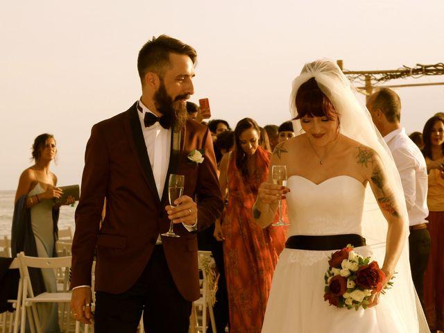 La boda de Elena y Santi en Castelldefels, Barcelona 61