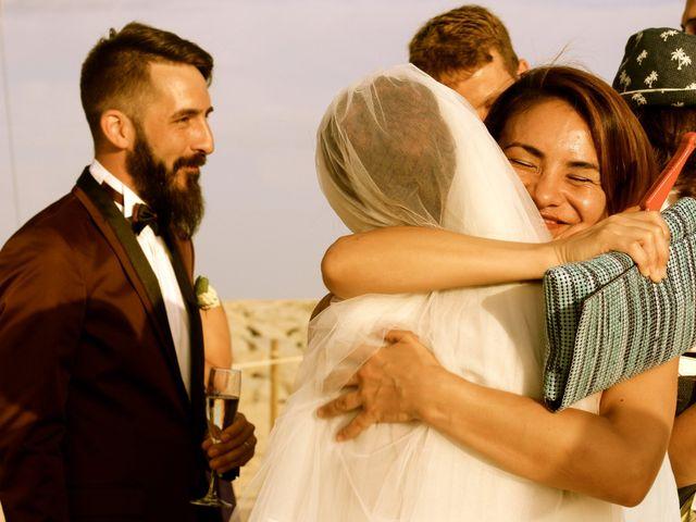 La boda de Elena y Santi en Castelldefels, Barcelona 62