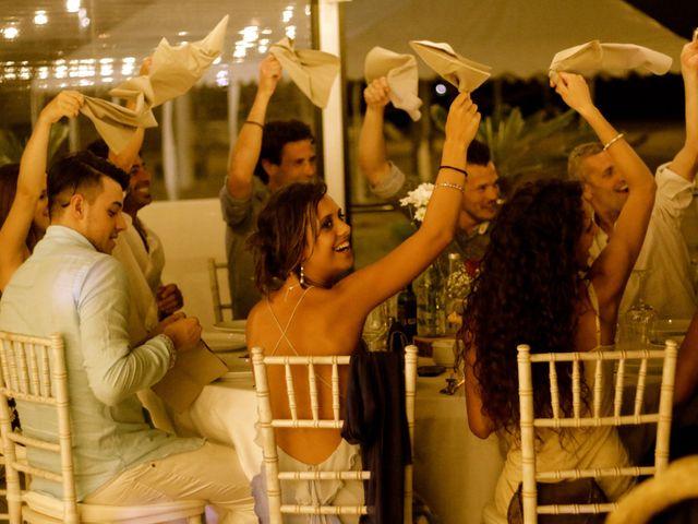 La boda de Elena y Santi en Castelldefels, Barcelona 90
