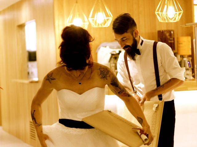 La boda de Elena y Santi en Castelldefels, Barcelona 100