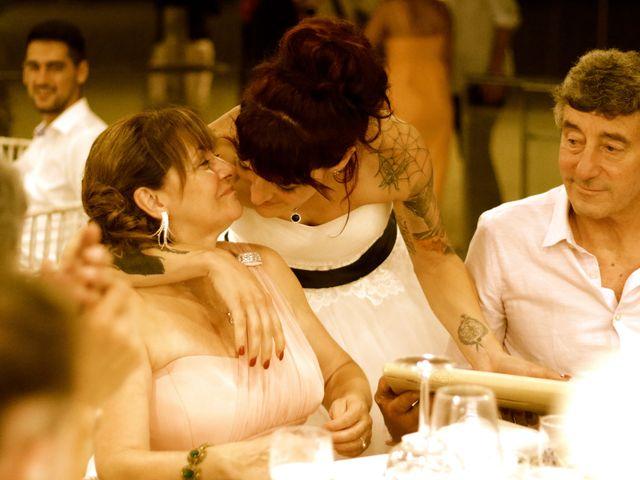 La boda de Elena y Santi en Castelldefels, Barcelona 101