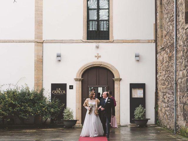 La boda de Manuel y Carmen en Avilés, Asturias 11