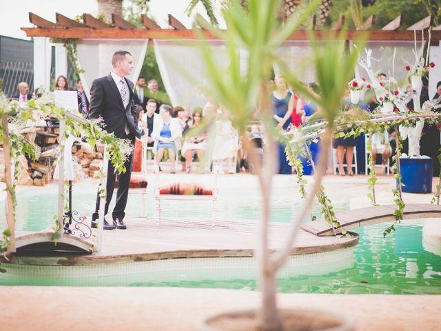 La boda de Hugo y Amalia en Mutxamel, Alicante 15