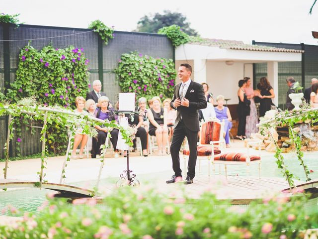 La boda de Hugo y Amalia en Mutxamel, Alicante 16