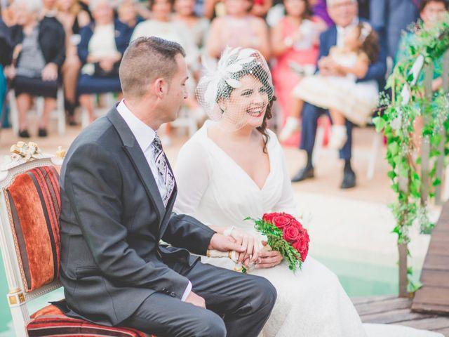 La boda de Hugo y Amalia en Mutxamel, Alicante 25