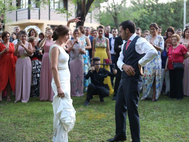 La boda de Óscar y María en Gavilanes, Ávila 35