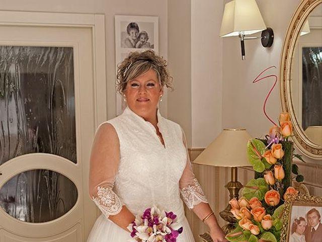 La boda de Francisco y MªAmparo en L' Olleria, Valencia 6