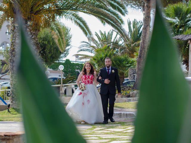 La boda de Sergi y Silvia en Vilanova I La Geltru, Barcelona 22