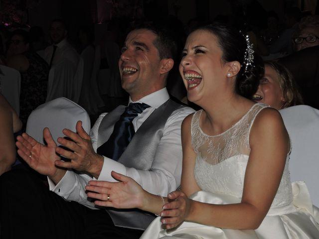 La boda de Nuria y Reyes
