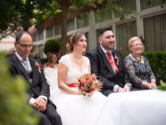 La boda de Javi y Elena en Piña De Campos, Palencia 15