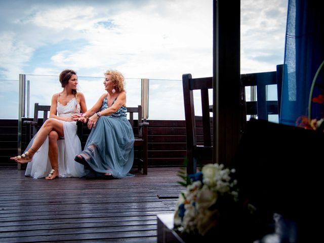 La boda de Nacho y Silvia en L' Ametlla De Mar, Tarragona 17