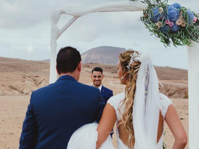 La boda de Víctor y Marta en La Oliva, Las Palmas 31