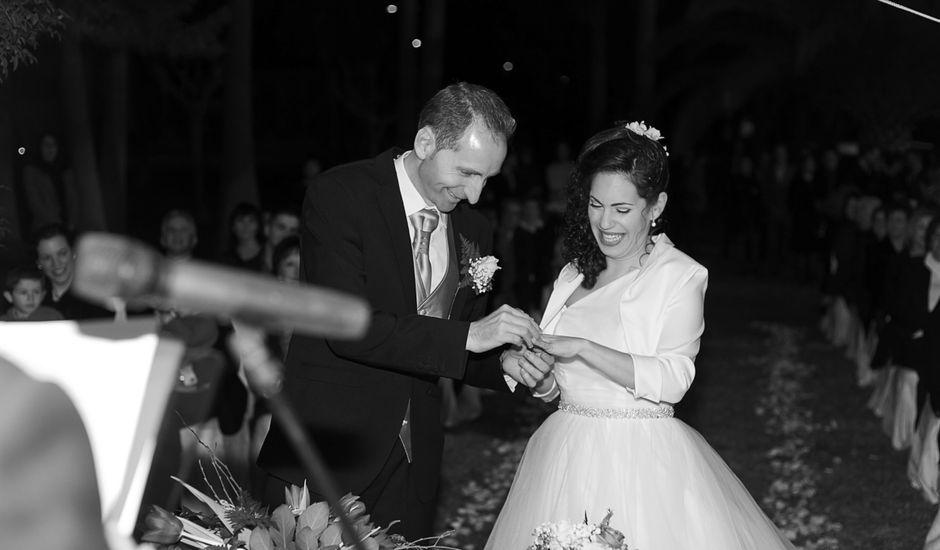 La boda de Raúl y Rosa en Miramar, Valencia