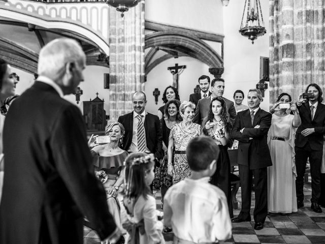 La boda de Guadalupe y Roberto en Guadalupe, Cáceres 14