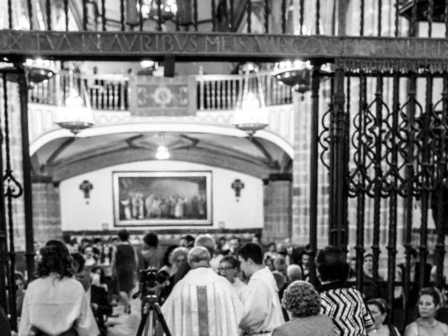 La boda de Guadalupe y Roberto en Guadalupe, Cáceres 16