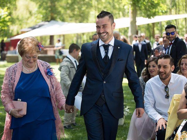 La boda de Sergio y Isa en Torquemada, Palencia 17