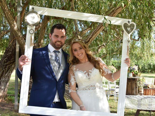 La boda de David y Amparo en L' Ènova, Valencia 21