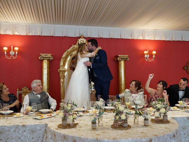 La boda de David y Amparo en L' Ènova, Valencia 28