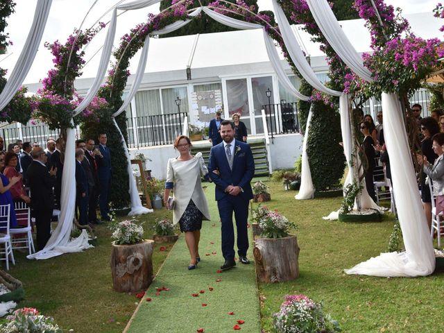 La boda de David y Amparo en L' Ènova, Valencia 39