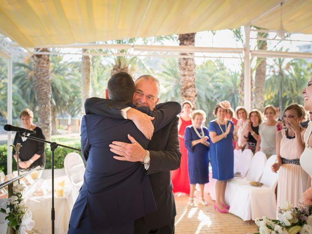 La boda de Diego y Carmen en La/villajoyosa Vila Joiosa, Alicante 25