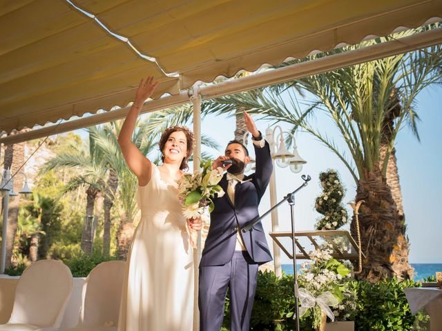 La boda de Diego y Carmen en La/villajoyosa Vila Joiosa, Alicante 37
