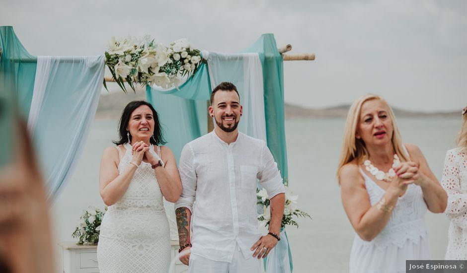 La boda de David y Alba en La Manga Del Mar Menor, Murcia
