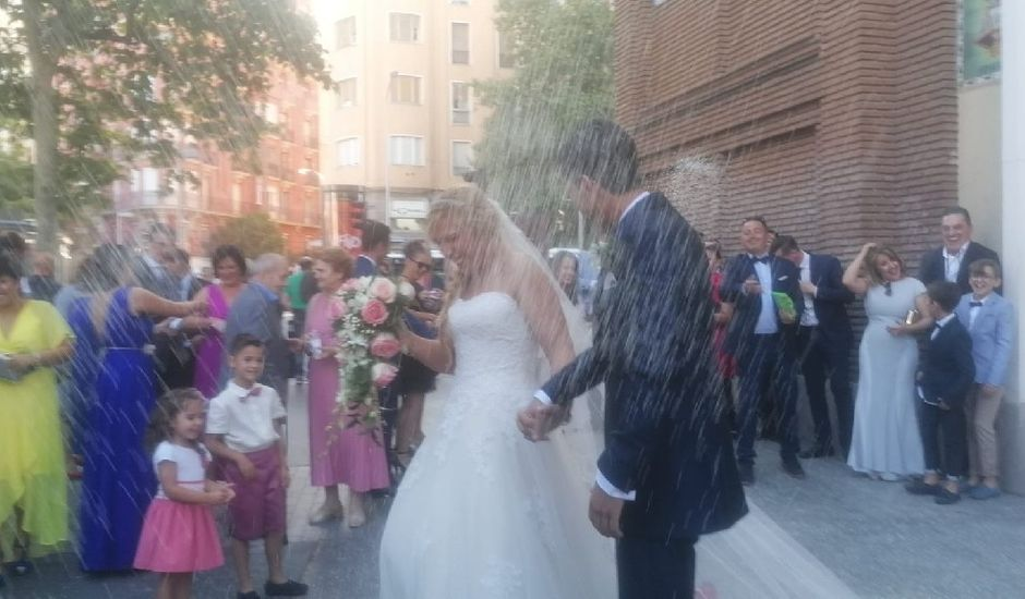 La boda de Victor  y Inma  en Madrid, Madrid