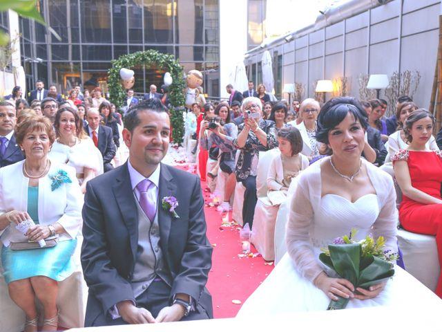La boda de Javier y Norma en Madrid, Madrid 11
