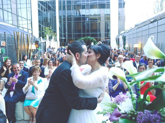 La boda de Javier y Norma en Madrid, Madrid 16