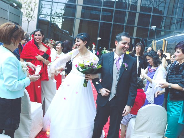 La boda de Javier y Norma en Madrid, Madrid 17