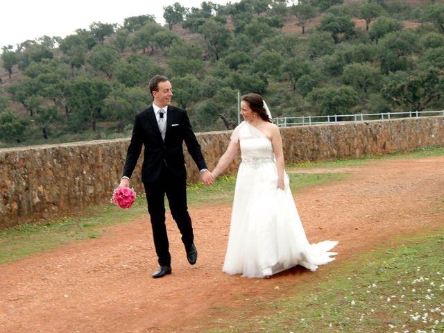 La boda de Jose Luís y Ana Belén en Mérida, Badajoz 30