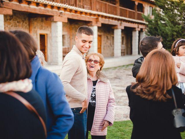 La boda de Manuel y Tamara en El Berrueco, Madrid 13